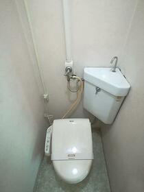 上総ビル 203号室のトイレ
