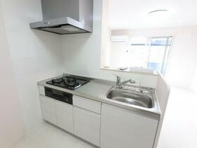 ファミーユ 105号室のキッチン