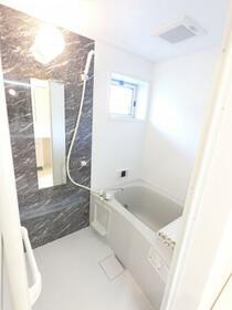 ファミーユ 105号室の風呂