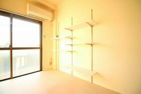ヒロ大巌寺 205号室のリビング