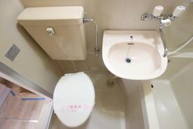 あじさいロード2 106号室の洗面所