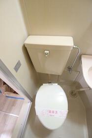 あじさいロード2 106号室のトイレ