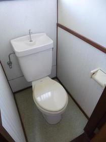 関口アパート 201 201号室のトイレ