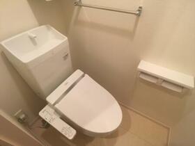 レジデンス キントウ Roots 102号室のトイレ