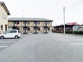 ウインドワードガーデンズ D 105号室の駐車場