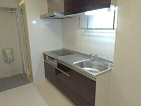 グランプレジール C 201号室のキッチン