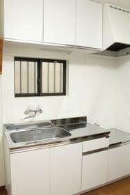 KHアパート 1F号室のキッチン