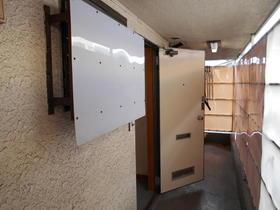 コピーヌカナメ 205号室の玄関