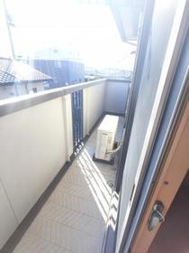アーバンハイツ 202号室のバルコニー