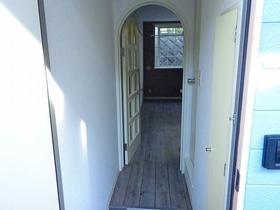 ベルピア鎌倉第3 204号室の玄関