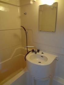 パオ瀬戸ヶ谷 101 101号室の風呂