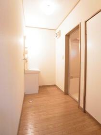 レジデンスセキネ 101号室の洗面所