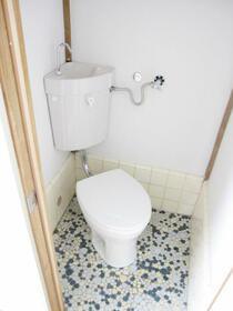 トルネ・ラ・パージュ目白 201号室のトイレ