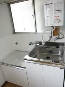 トルネ・ラ・パージュ目白 201号室のキッチン