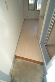 ヴィラ清瀬 202号室の玄関