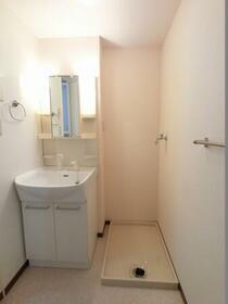 エトワール キューブ B 103号室の洗面所