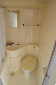 TOP横浜吉野町 407 407号室のトイレ