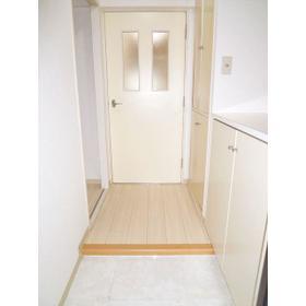 ベルハウス戸塚 0105号室の玄関