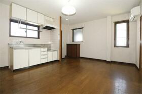 メゾンテイIII 201号室のキッチン