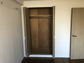 ビレッジハウス京ヶ峰タワー 0513号室の居室
