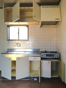 ラトゥールフジタ 202号室のキッチン