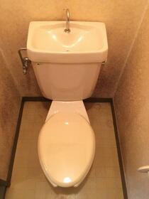 ラトゥールフジタ 202号室のトイレ