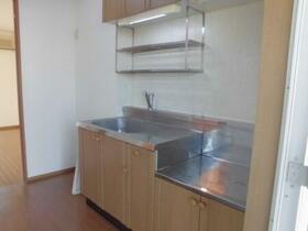 マ・メゾン 202号室のキッチン