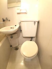 アリエッタ高崎B 101号室のトイレ
