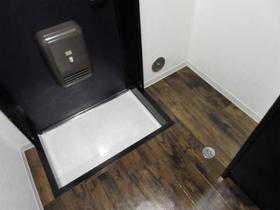 エステートピア和光7 302号室の玄関