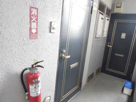 エステートピア和光7 302号室のエントランス