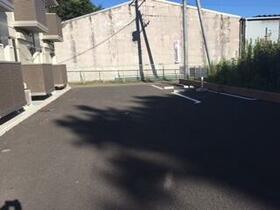 レインボー 101号室の駐車場
