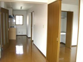グランエスポワール Ⅱ 302号室のリビング