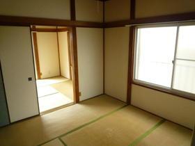 赤坂荘 202号室のリビング