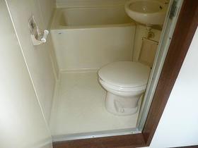 ファーストビレッジ 203号室のトイレ