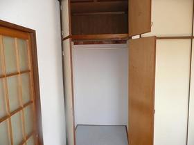 ファーストビレッジ 203号室の収納