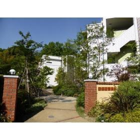 鎌倉ガーデン弐番館 104号室のエントランス
