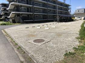 ビレッジハウス秋葉2号棟 0403号室の駐車場