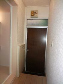 ペアアサイB 102号室の玄関