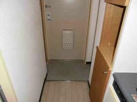 メゾン・ド・シャトー 0107号室の玄関