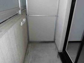 メゾン・ド・シャトー 0107号室のバルコニー