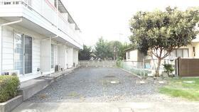 シャイン ワン 205号室の駐車場