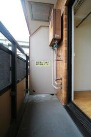 ライオンズマンション元町 311号室のバルコニー