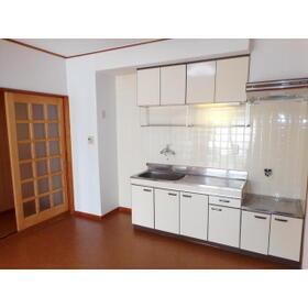 グランドハイツ中郷 302号室のキッチン