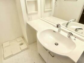 アメニティー 201号室の洗面所
