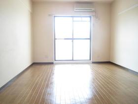 コスモタウン相模原 303号室の居室