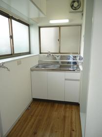 旭ハイム 102号室のキッチン