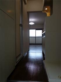 メゾン・ド・ヴェリテ 407号室の玄関