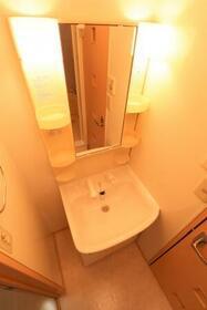 グランブルーム A 106号室の洗面所