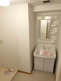 リリアコート 504号室の洗面所