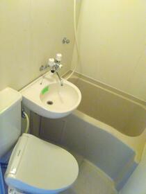 メゾンホワイト 213号室の風呂